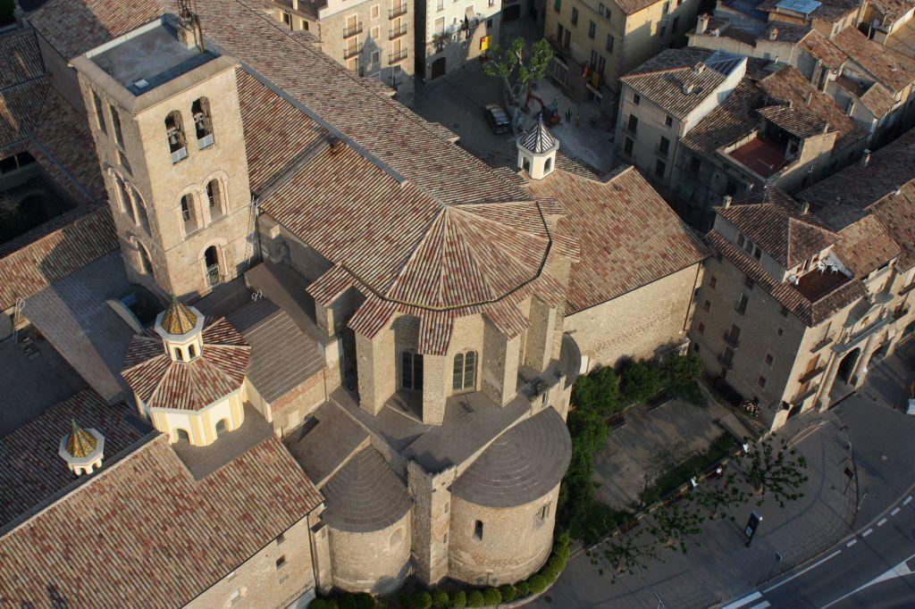 La Catedral i el Pou de gel   Hotel La Freixera - Solsona